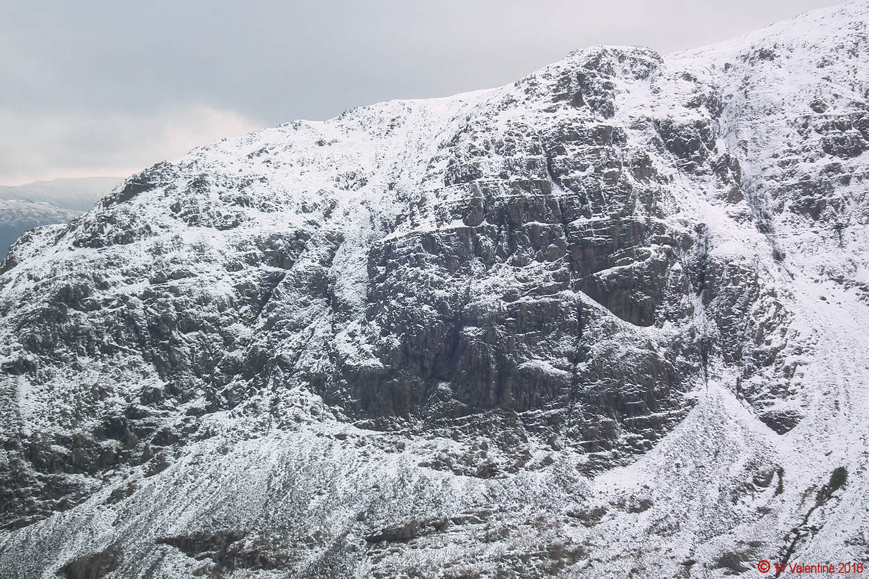 02 - Close-Up of Hart Crag.jpg