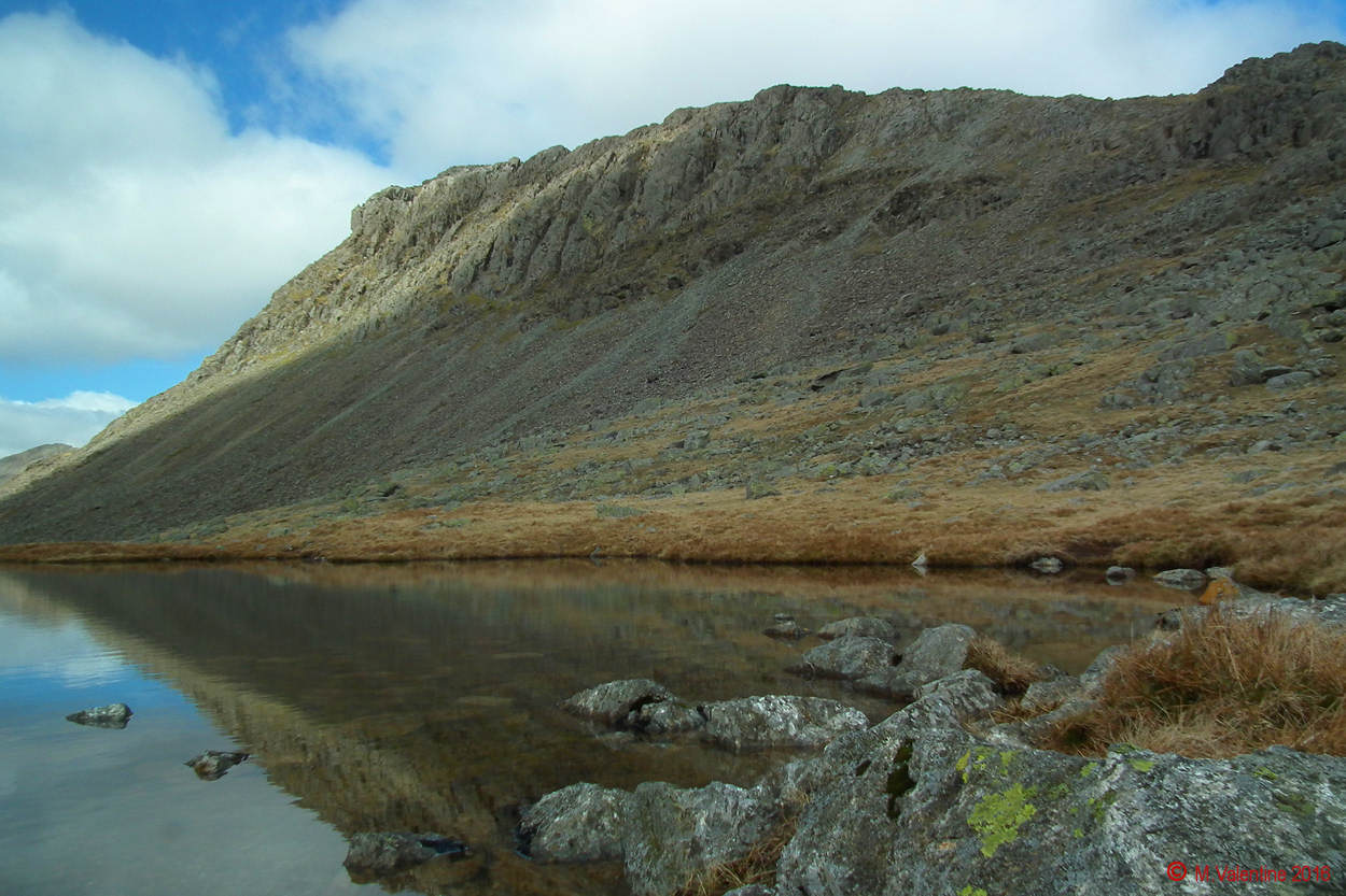 006 Bowfell from Three Tarns Plateau.jpg