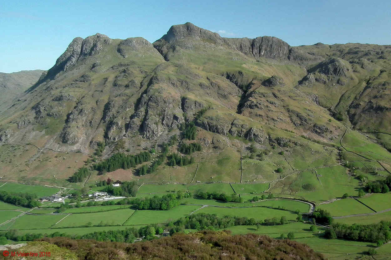 02 - Langdale Pikes from part way up Side Pike..jpg