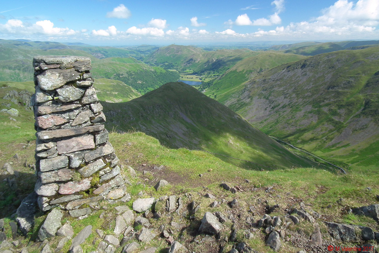 04 Looking back across Middle Dodd from Red Screes summit.jpg