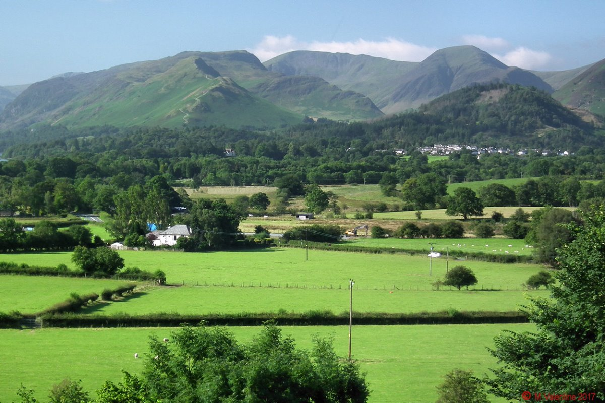 04 Catbells etc. from Applethwaite.jpg