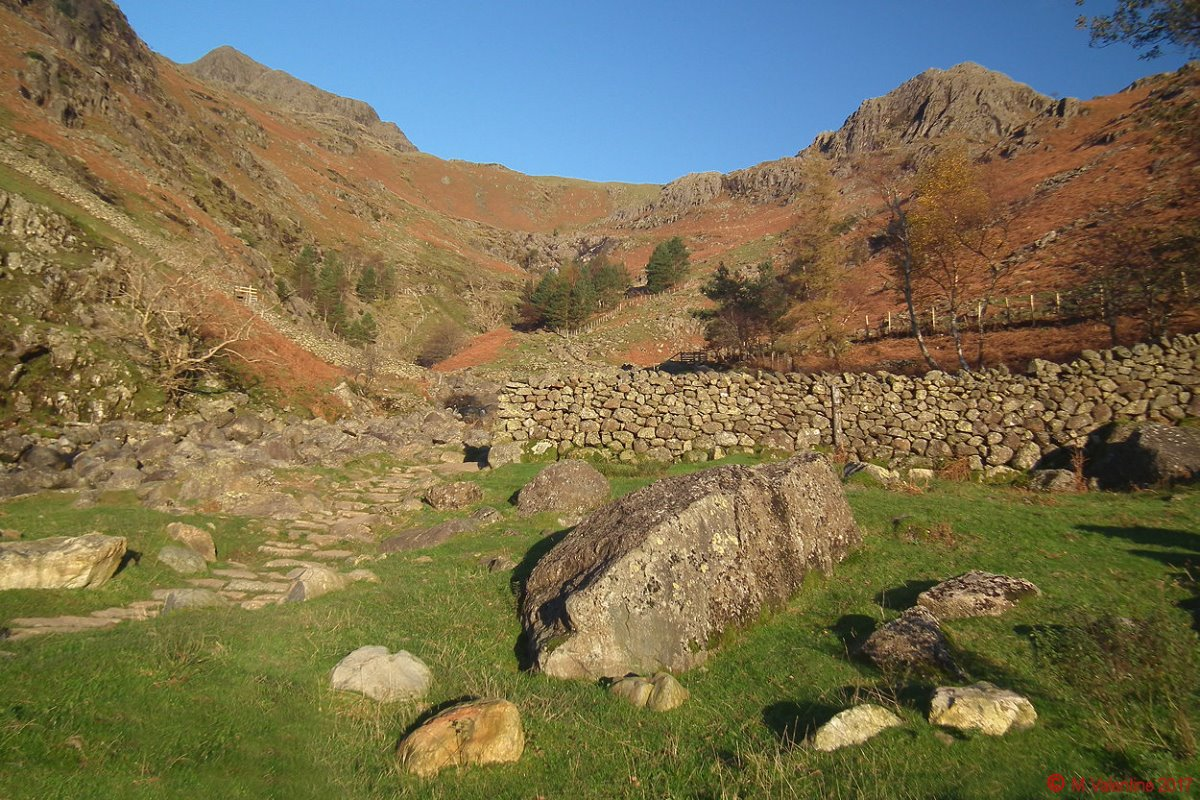 03 Harrison Stickle & Tarn Crag.jpg